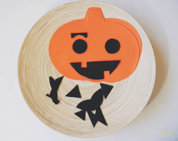 make a face for the pumpkin with felt